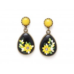Teardrop yellow flower earrings