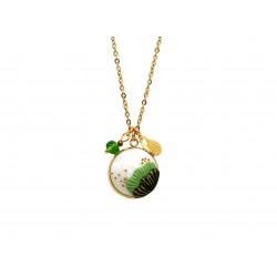 Green seashell necklace