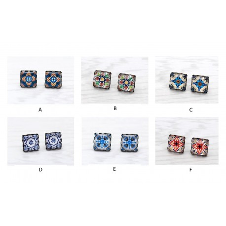 Small square earrings with tile pattern