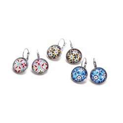 Circle earrings with tile pattern